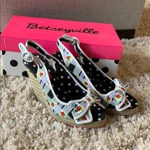 Betseyville Wedge Heels